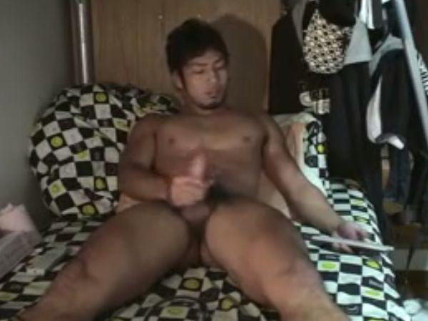 ☆寮生活☆体育会系男子の全裸オナニー!(ワイルド口髭青年編)