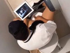 男子トイレの個室でオナニーをしている松屋店員を上から覗いちゃいました!