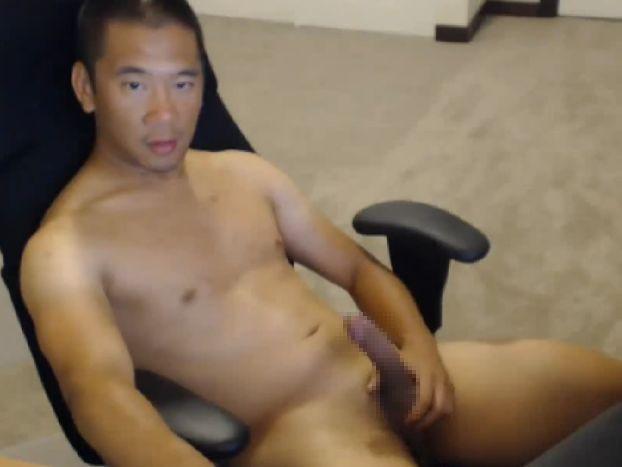 キリッとカッコいい筋肉坊主の全裸オナニー
