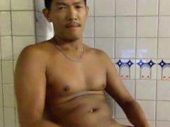 ワイルド系兄ちゃんの全裸挑発オナニー!