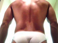 19歳の現役アマチュアレスリング選手がお風呂場で全裸オナニー!