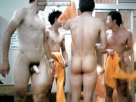 体育会の全国大会出場レベルの男子学生がお風呂で着替え中!