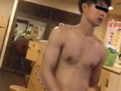 【期間限定公開】スパ銭で内田●人似の爽やかイケメン発見❤️ずる剥けチンポ!