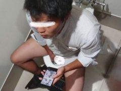 個室トイレの上からノンケリーマンがオナニーしているところを覗いちゃいました!