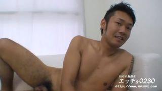【無料ノンケ動画】愛嬌のある笑顔がかわいいノンケ男子の全裸オナニー