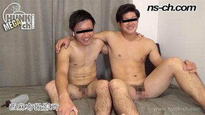兄弟みたいに仲が良い大学生が初登場!男にしゃぶられている友達を観察!