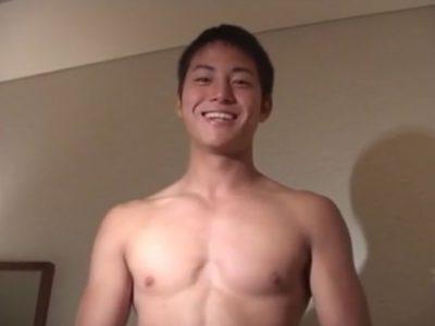 笑顔が素敵な爽やかイケメン男子が裸面接!