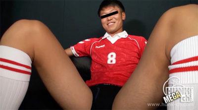 大学サッカー部員が男初体験にヤバいといいながら完全勃起!